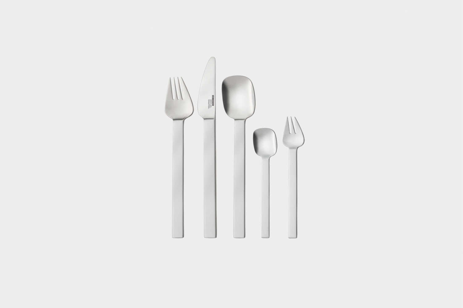 the carl mertens senso sky flatware is sold as a 30 piece set for €3\20. 13