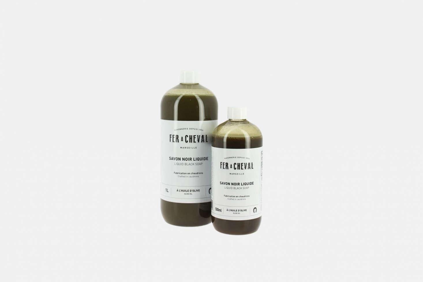 Another solution from Fer à Cheval, theSavon Noir Liquide (&#8