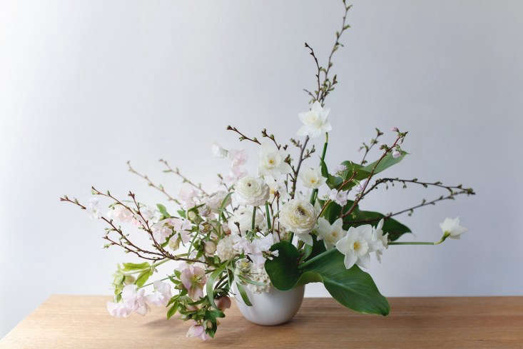 an easy, step by step, no fail guide to creating artful arrangements at home. g 10