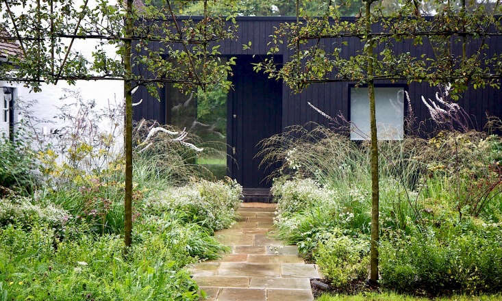 we take a walk through a gatehouse courtyard in london's stoke common nature  9