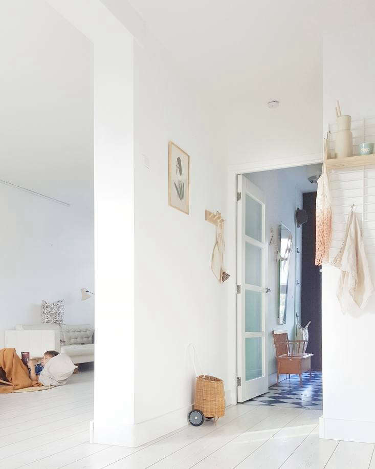 ilona and daniel did much of the renovation work themselves, including installi 9