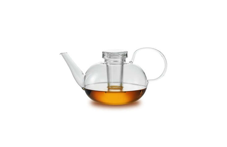 the wagenfeld tea pot,designed by wilhelm wagenfeld in \193\1 and manufacture 14