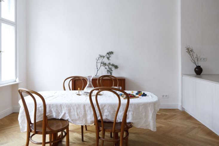 the family&#8\2\17;s existing table and a set of bentwood chairs &#8\2\ 19