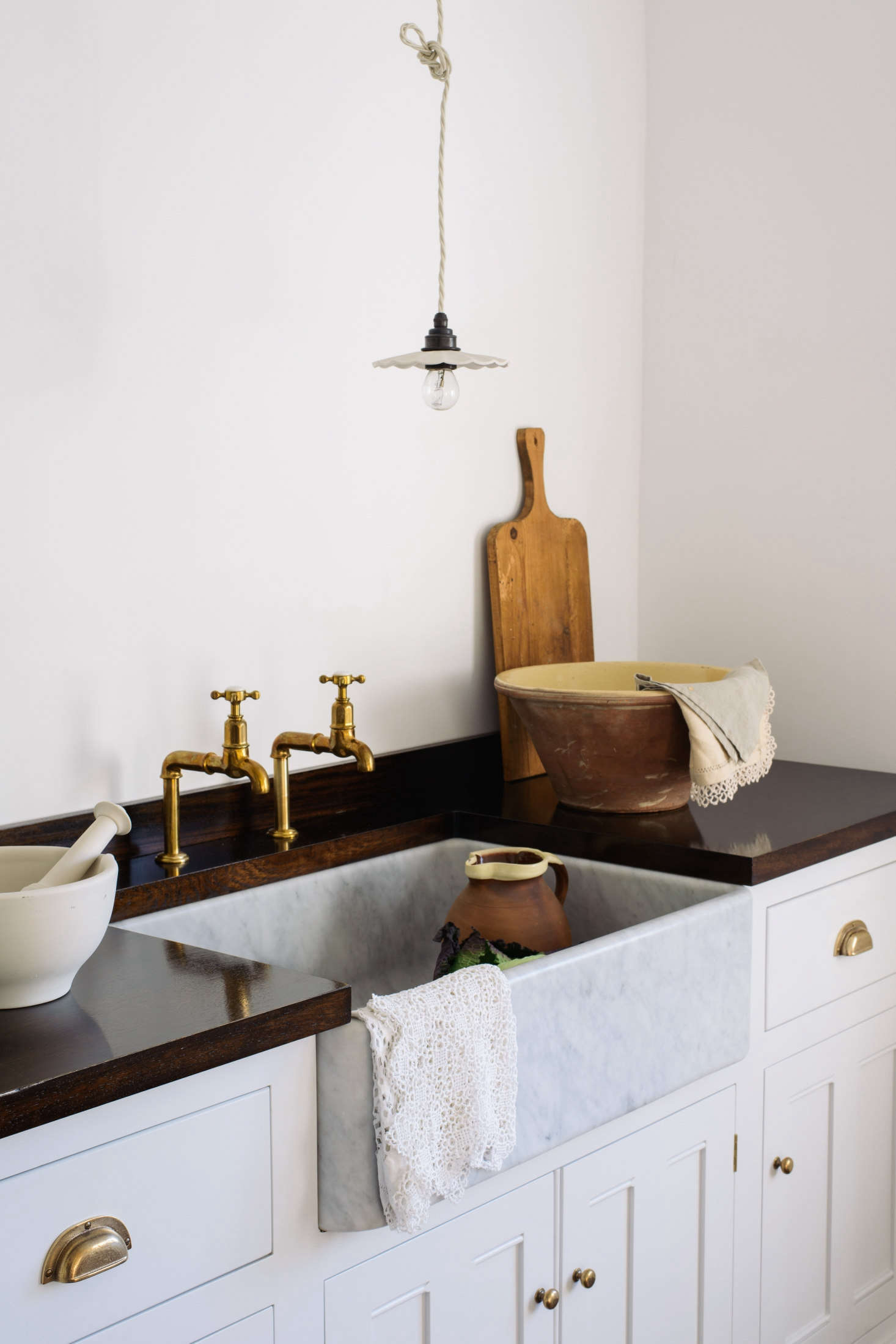 The sinks have a  to 30mm wall thickness all around. Shown here is the Tuscan sink with a 30mm wall thickness.