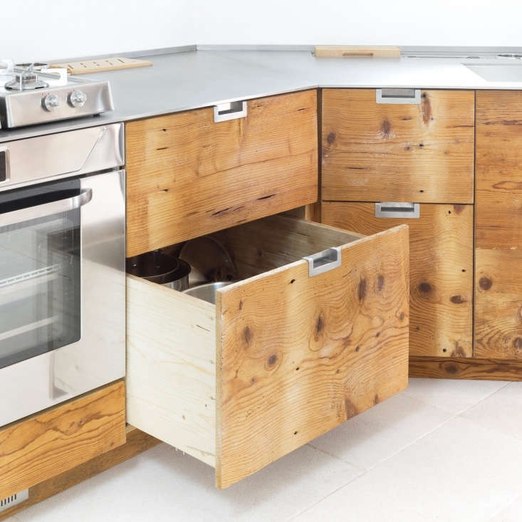 Cabinet and drawer boxes are made of new wood, while the precious, 0-year-old larch wood is used for the faces.