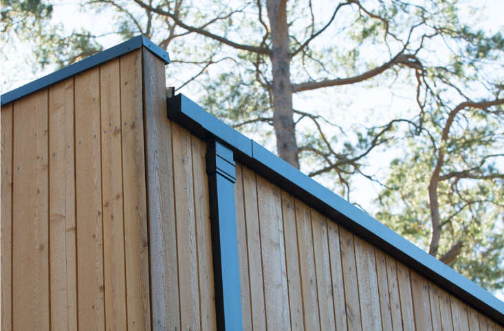Minimalist gutters are included with the housing kit.