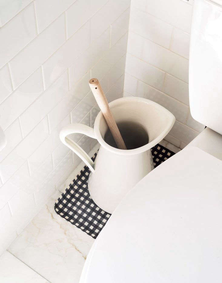 everyone needs a toilet brush, but it doesn&#8\2\17;t have to be an eyesore 9