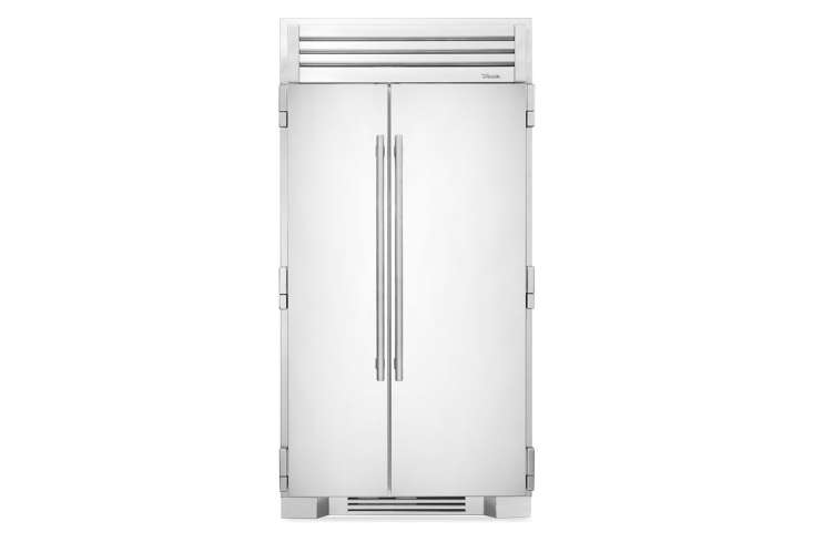 the true residential full size 4\2 inch refrigerator with stainless steel doors 9