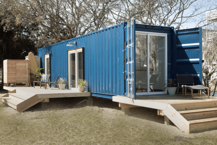 a modern beach house by way of converted shipping containers on carolina beach  18