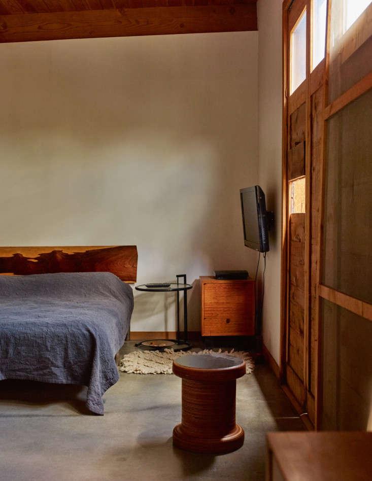 alma allen interior portraits leslie williamson bedroom