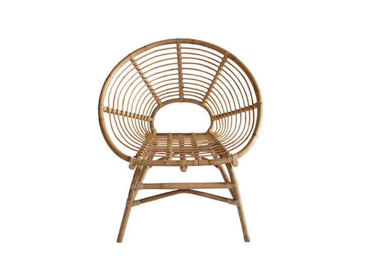 TheRing Rattan Chair takes inspiration from French furniture styles of the 60s. It&#8