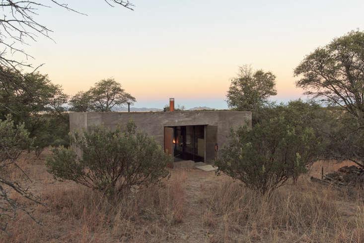 casa caldera arizona desert modern house 15
