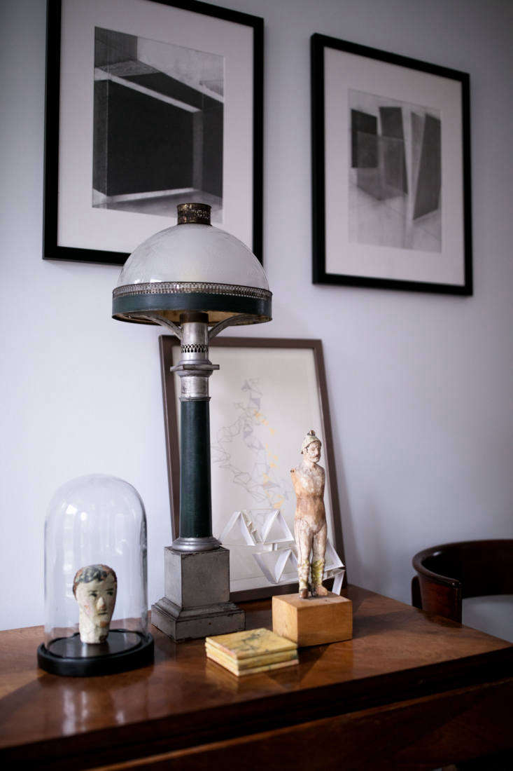 An artistic vignette in the sitting room.