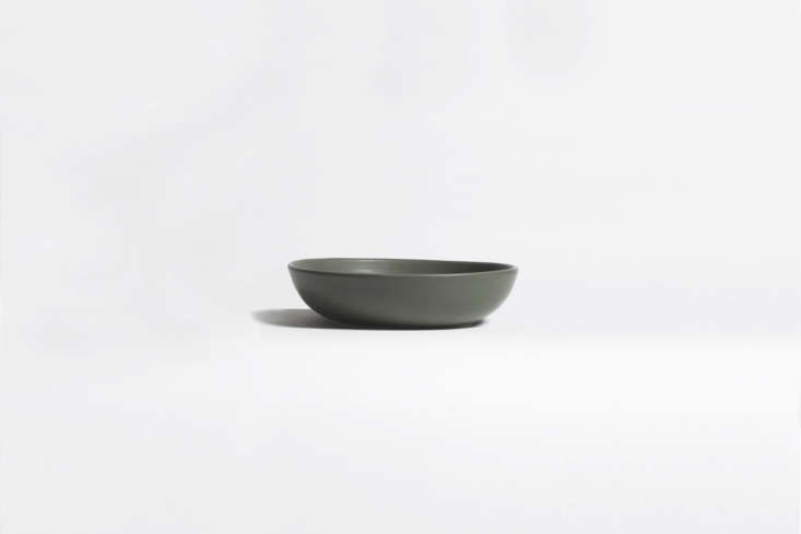philadelphia based ceramics studio felt & fat makes thelarge nesting bowl 14