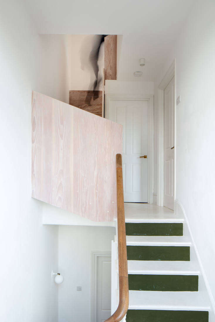 Kitchen of the Week A GreatestHits Kitchen for a DanishAmerican Couple in London While the couple splurged on the kitchen and Dinesen flooring, they saved money where they could, like painting what Toke calls the upstairs &#8\2\20;original wonky old pine flooring&#8\2\2\1; white.