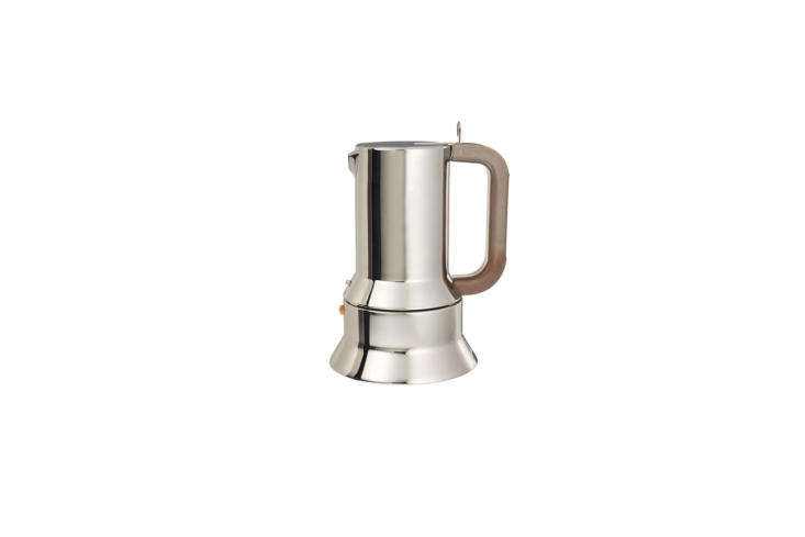 On the stove is anAlessi 9090 Coffee Maker, designed in 79 by Richard Sapper. It&#8
