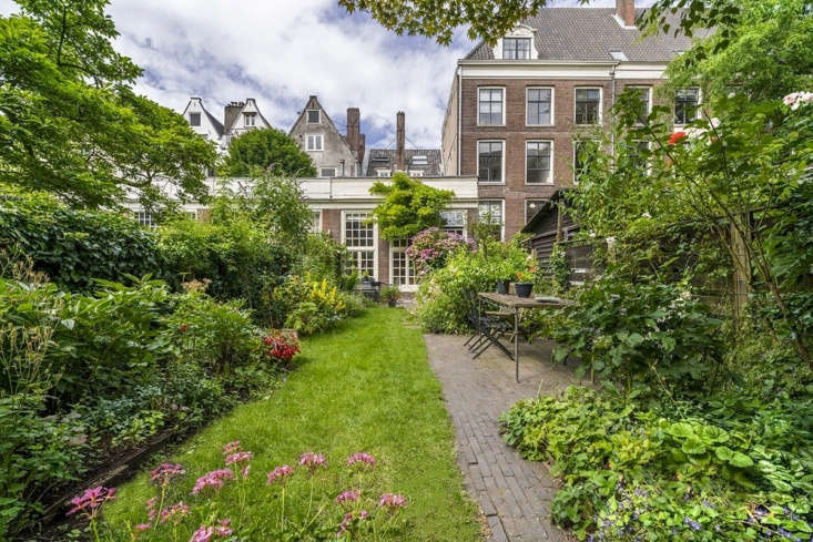 If you have a narrow backyard, take cues from Amsterdam&#8