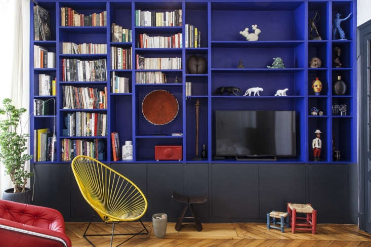 Bolt from the Blue Sightings of Yves Kleins Iconic Hue The bookshelf in question: striking built ins painted in a bold Yves Klein lookalike in a Paris apartment by Batiik Studio.