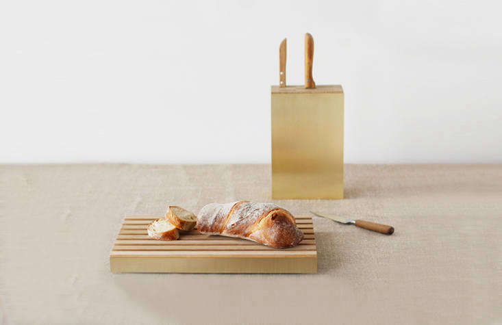 Blade is a solid oak knife block with a brushed brass side plate. (It&#8