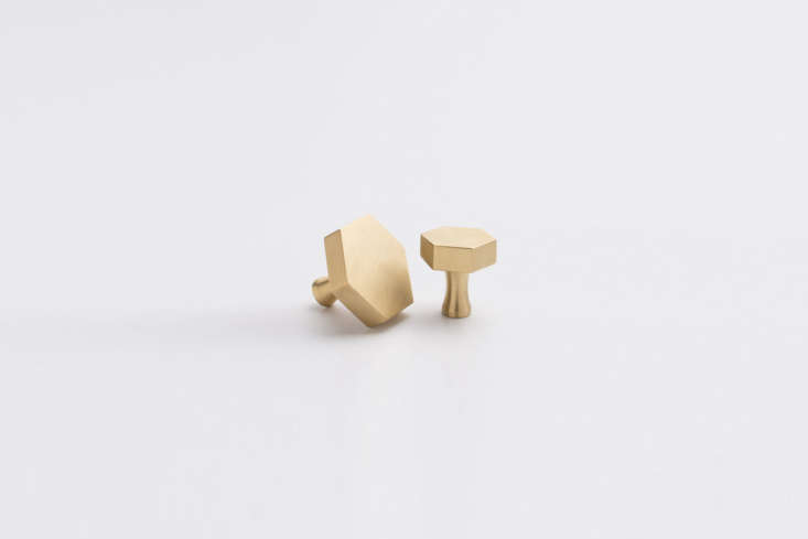 Celia used the Hex Knob in natural brass in the loading=