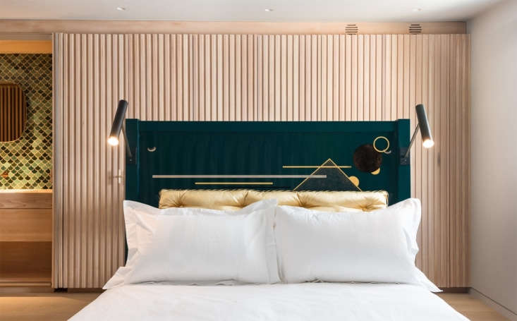 The lacquerware headboard on the master bed is byPedro da Costa Felgueiras of The New Craftsmen. The homeowner steered the design, says Ulanowski: &#8