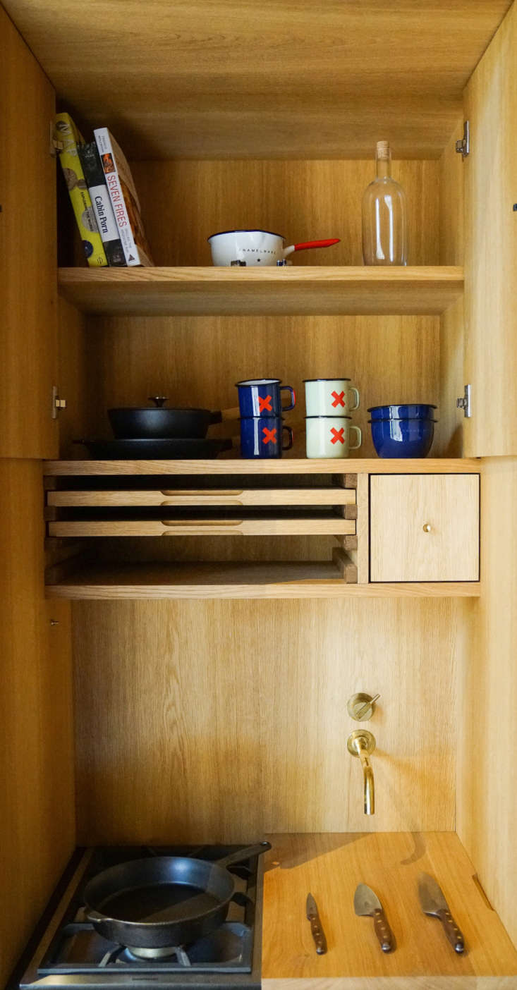 kbh detailed the all oak design with an overhead cabinet and pullout wooden cut 14