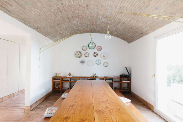the dining room table and shelves are made from canadian douglas fir from lacec 15