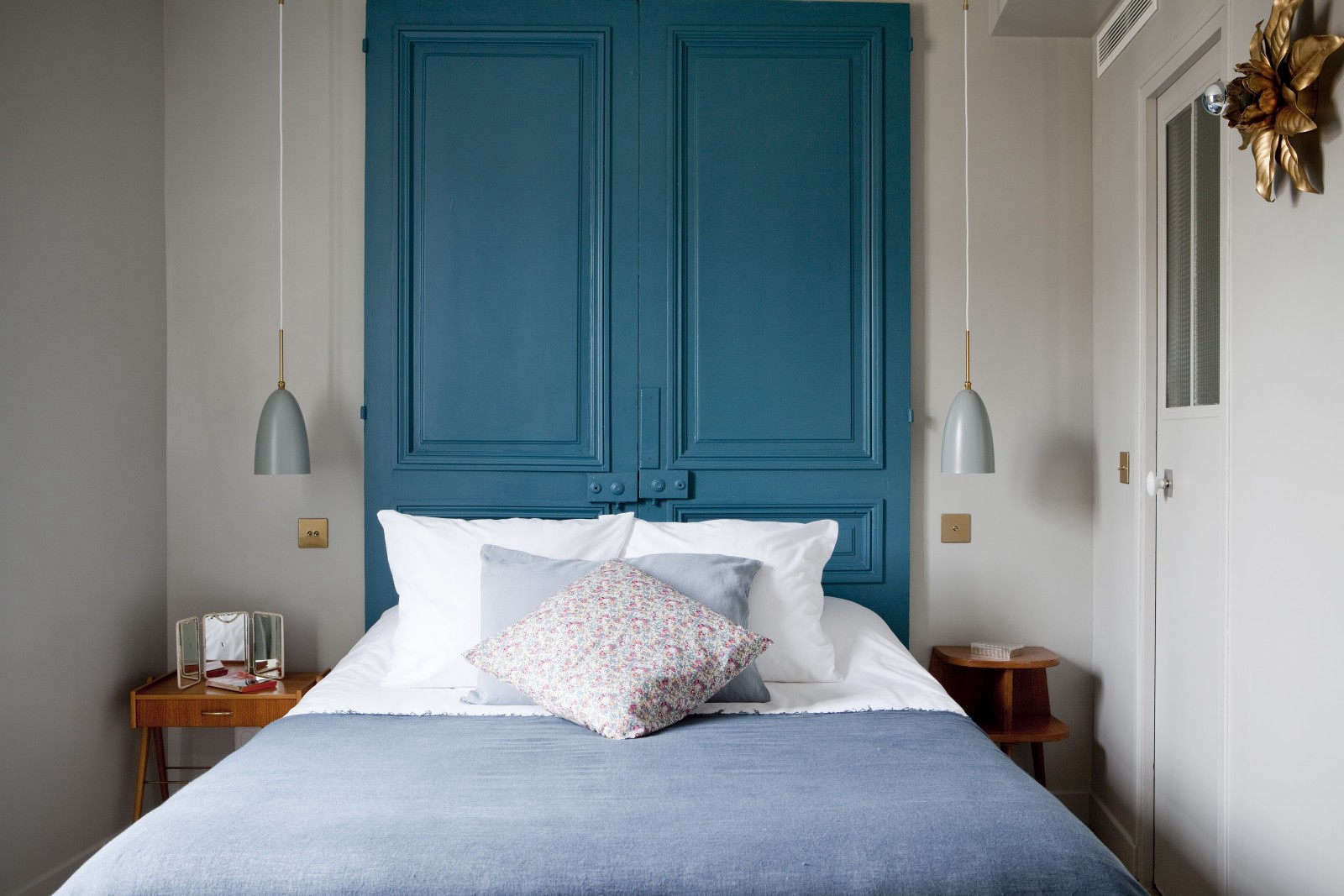 the double chambre starts at an affordable (and unheard of for paris) price of  9