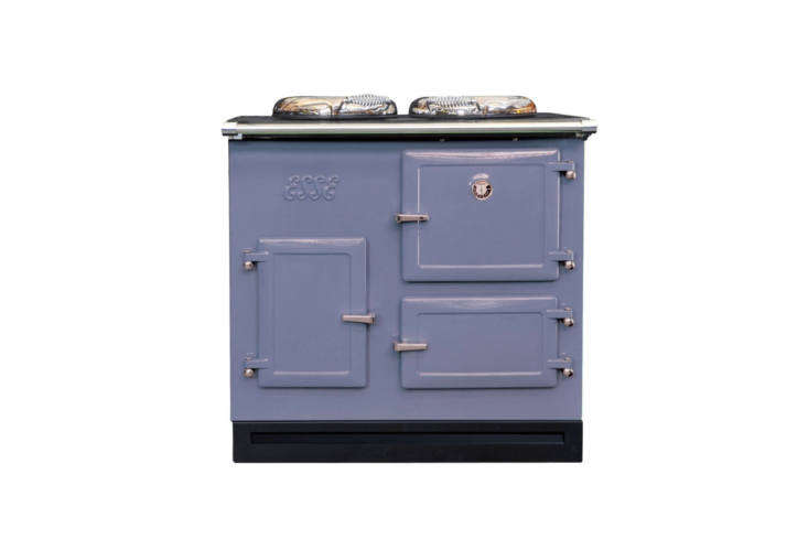 the cast iron esse cooker from england is available in a range of color options 17