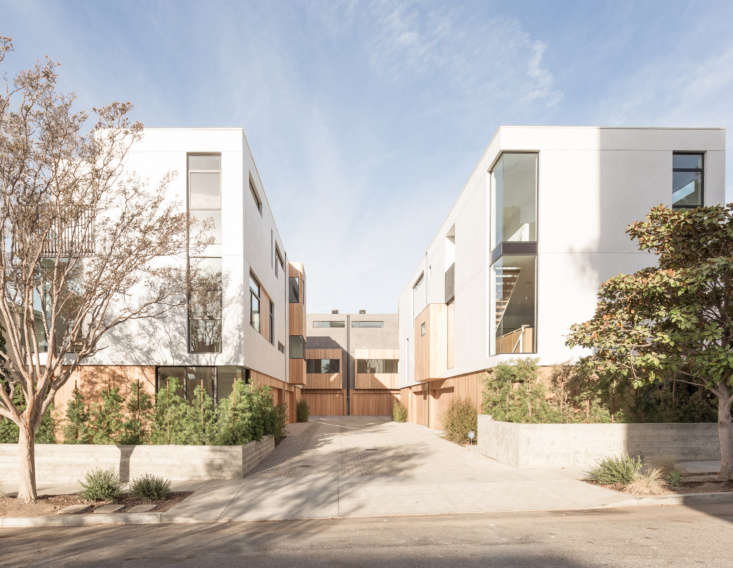 Let There Be Light Habitat 6 in Los Angeles Townhouses Designed for Brighter City Living The six units from the outside, laid out for optimal sunlight and outdoor access.