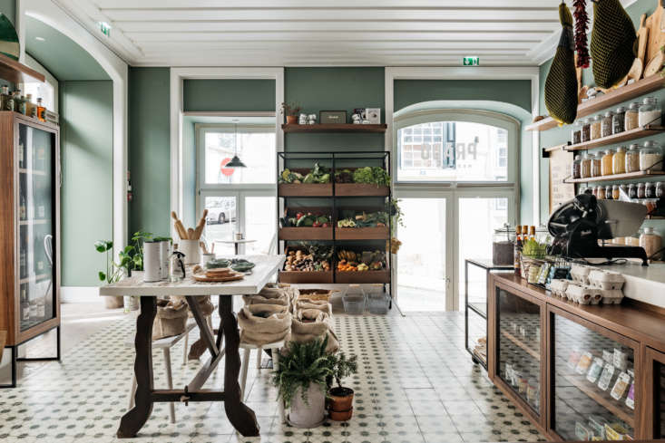 Inside: a tiled floor and traditional Portuguese provisions.