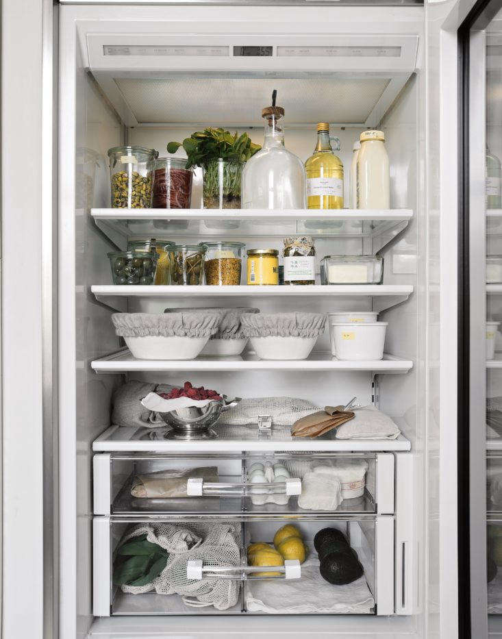 Trending on The Organized Home The Urban Farmhouse Who knew your refrigerator could be a source of aesthetic inspiration? In Steal This Look: An Organized Refrigerator, Plastic Free Edition, the editors break down how to achieve plastic free paradise, plus a few favorite sources for storage containers. Photograph by Matthew Williams forRemodelista: The Organized Home.