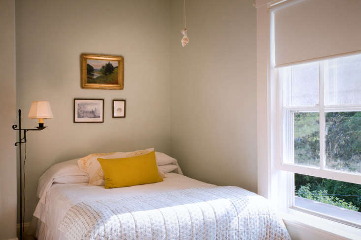 Before amp After A LowCost Summer Guest Room Makeover Cape Cod Edition portrait 3_15