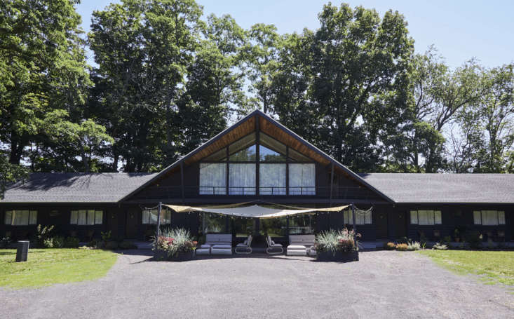 the lodge is in the town of greenville, new york, 30 minutes west of hudson and 9