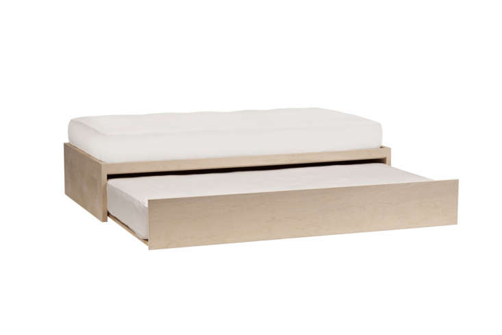 urban green furniture&#8\2\17;s thompson trundle bed is the one our editor  15