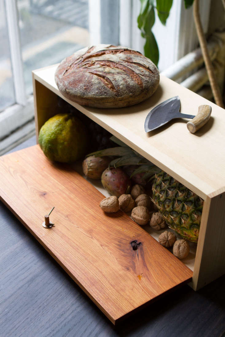 an old fashionedbread box is &#8\2\20;designed to keep groceries fresh fo 17