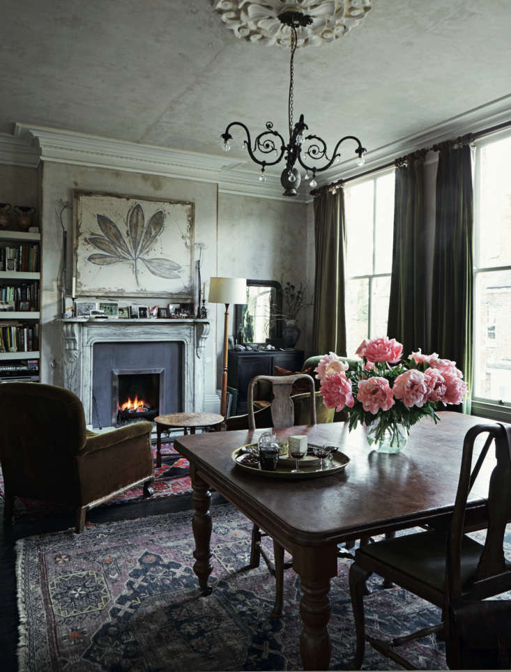 Required Reading An Artist Couples Hauntingly Beautiful Quarters Courtesy of Perfect English Townhouse There&#8\2\17;s a grand living room on the second floor; its three tall windows are what sold Anita on the house.