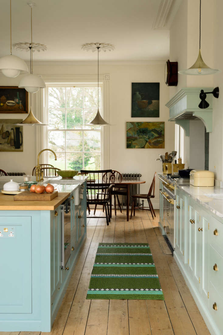 The cabinetry is from deVol&#8