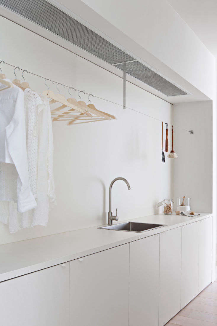 Trending on The Organized Home Back to Basics Storage Edition And, the editors&#8\2\17; favorite feature of this sleek, streamlined laundry room is none other than a clever Ikea hack. See if you can spot it, then read more inDesign Sleuth: One of the Most Ingenious Ikea Hacks Ever. Photograph by Shannon McGrath.