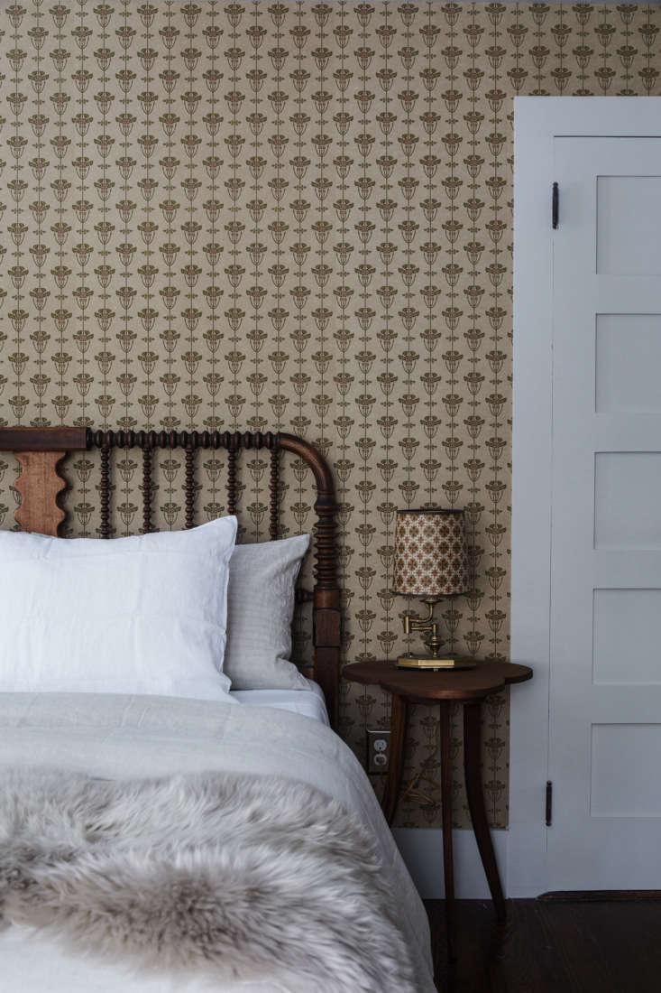 The Jack bedroom features Bradbury and BradburyAlise wallpaper.