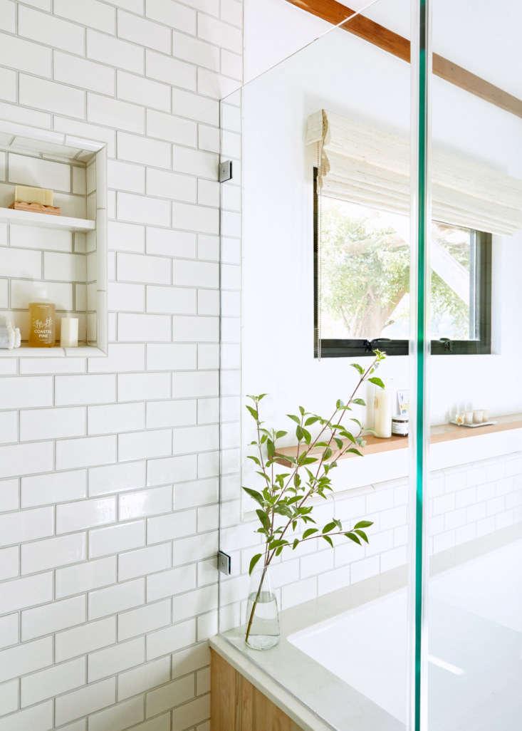 lola design bathroom aya brackett 13