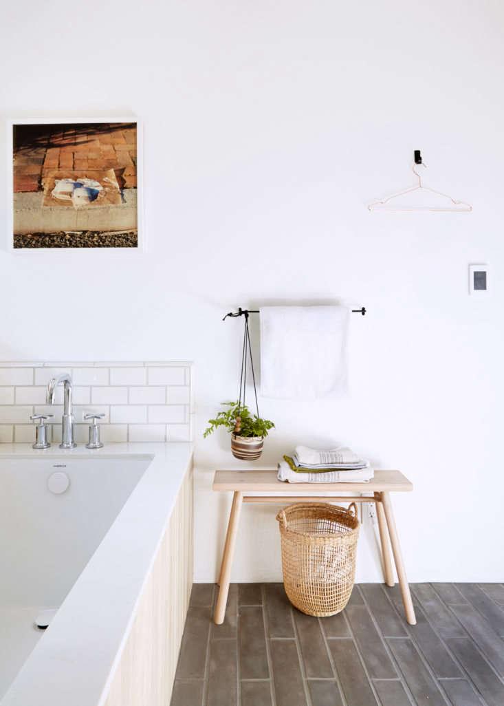 lola design bathroom aya brackett 16