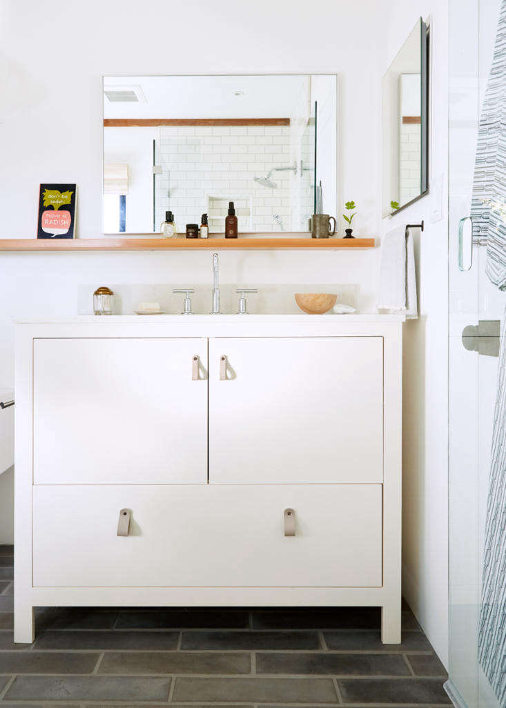lola design bathroom aya brackett 9