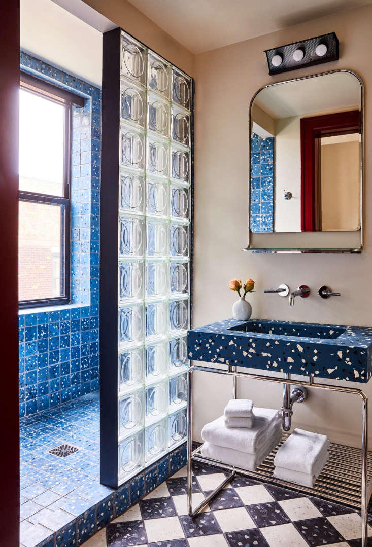 Another Siren Hotel guest room is outfitted in shades of blue.