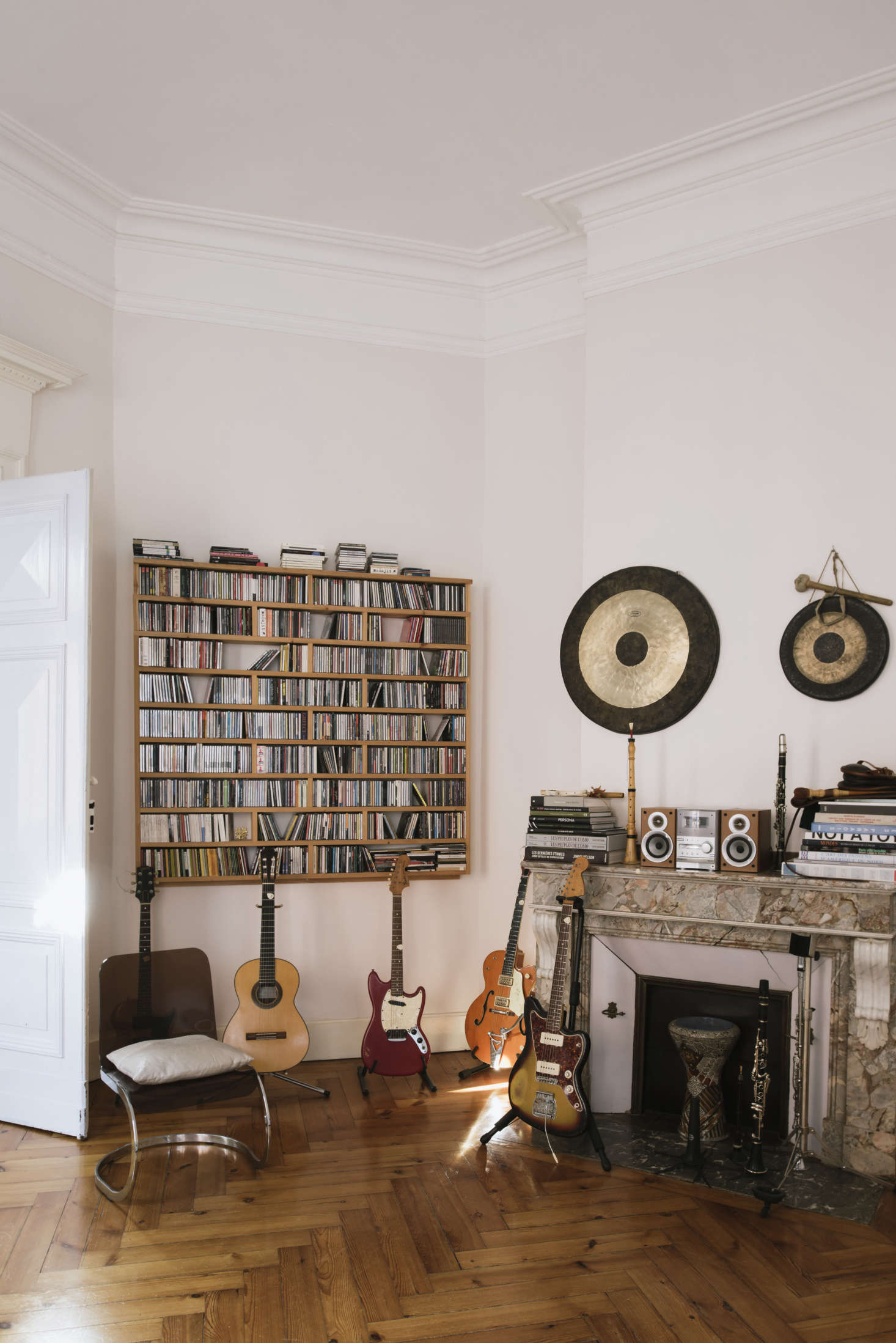 A music room for the musicians in the family: Christophe, Kélit, and Solelh. Sathal built the shelves herself.