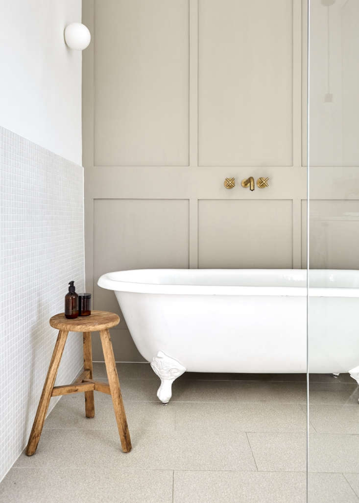 The paneling—in Dulux&#8