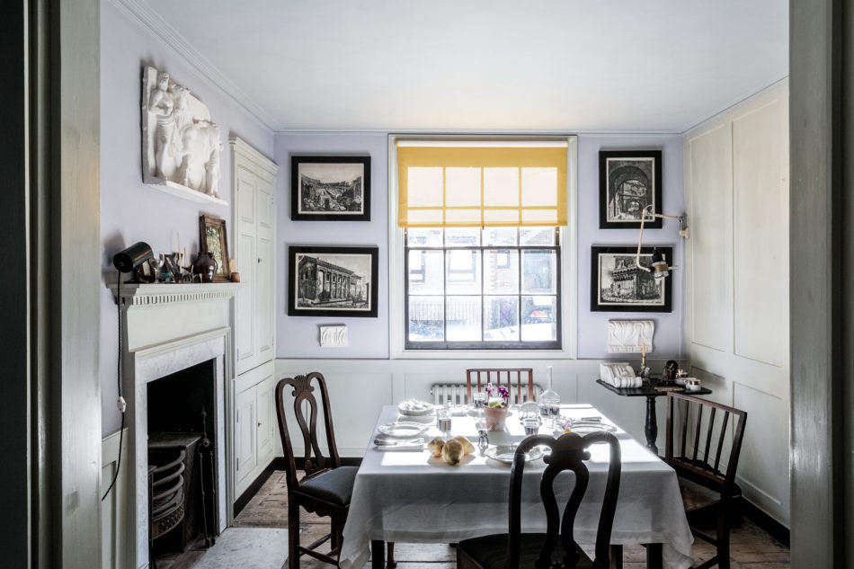 On the market: Historical paint expert Pedro da Costa Felgueiras&#8