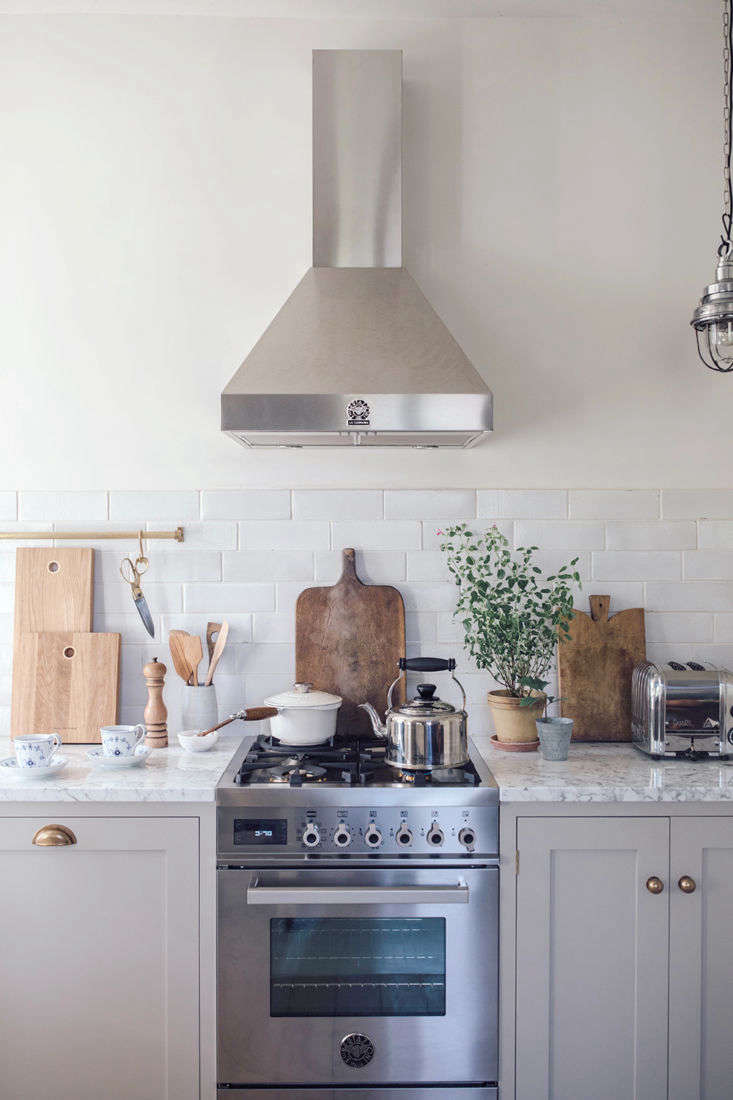 The range and hood are from Bertazzoni&#8\2\17;s Professional Series.