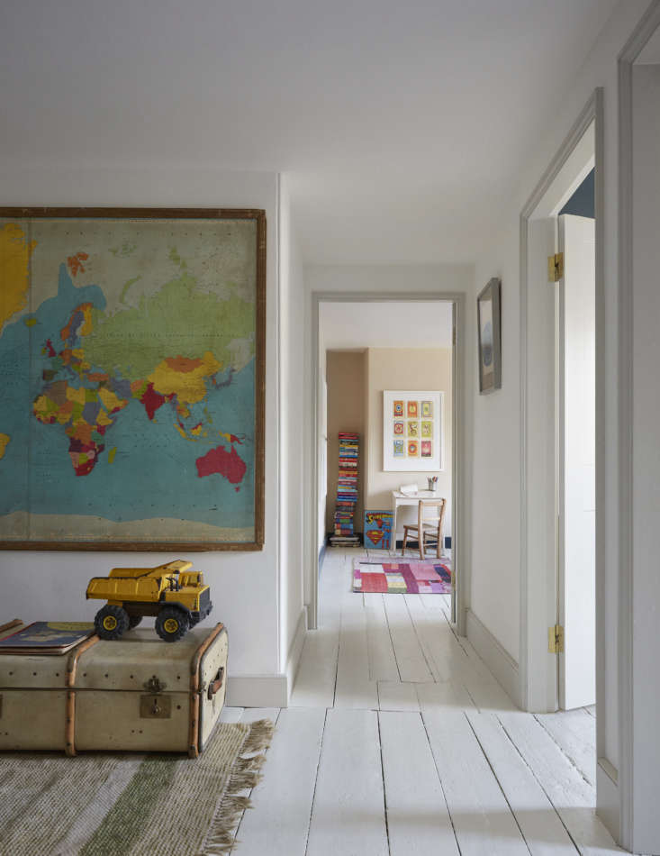 Mamma Mia Music Producer Nick Gilpins Stylishly Revived Georgian Manse The family&#8\2\17;s kids, ages 9, \1\2, and \14 share the top floor. The \1950s map was made for a classroom and an old vellum covered trunk is used for toy storage. The walls here are painted Slipper Satin.