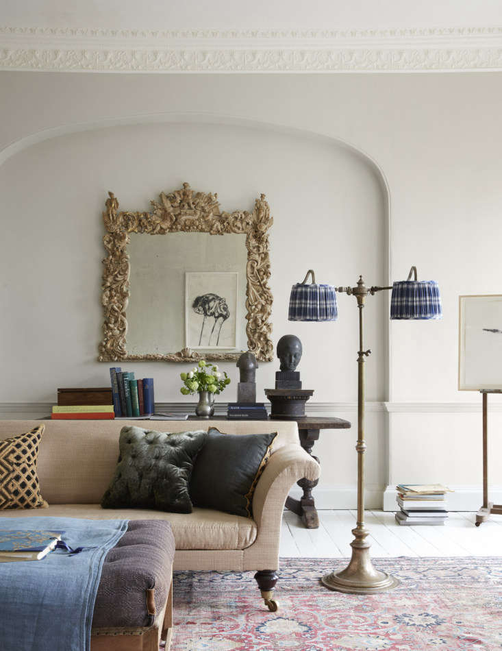 Mamma Mia Music Producer Nick Gilpins Stylishly Revived Georgian Manse Howe&#8\2\17;s horse hair stuffedWeimaraner Sofa is based on George IV design; it&#8\2\17;s upholstered in a rough silk. The brass lamp is one of an Edwardian pair that Howe says probably came out of a grand hotel.